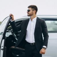 Hire London Heathrow Chauffeur Service For Business Tours