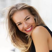 Restore Your Beautiful Smile with the Professional Teeth Whitening