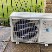Air Conditioning Wall Mounted System with Toshiba compressor