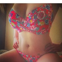 Naughty single mum offering dirty online services